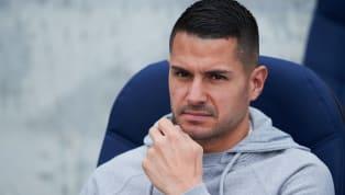  Cuando juega suele hacer algo diferente al resto. Vitolo es un jugador con mucho sacrificio y calidad,pero Simeone le utiliza muy poco y no está...