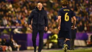 El Real Madrid es el nuevo líder de la liga después de ganar hoy un difícil triunfo ante el Valladolid (0-1). A los 10 minutos Casemiro anotó de cabeza una...