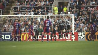 Geçtiğimiz akşam Barcelona, Camp Nou'da konuk ettiği Valladolid'i 5-1 mağlup etti. Karşılaşmada 2 gol kaydeden Lionel Messi, kariyerinde 50. serbest vuruş...
