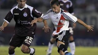 El central formado en Vélez había debutado en 2008 y para el año siguiente no solo era una fija en el equipo campeón del Clausura, sino que ya tenía sus...