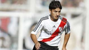 Con solo 17 años debutó en Vélez e ilusionó a los hinchas con su fútbol de panorama y buen pie. También pasó por las selecciones juveniles Sub 17 y Sub 20....