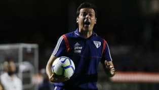 Desde que chegou ao São Paulo, Fernando Diniz comandou o time em quatro partidas: venceu duas e empatou outras duas. Portanto, o treinador está invicto no...