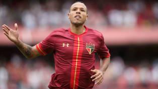 Um dos atacante mais importantes do país, nos últimos anos, está perto de retornarao futebol. Depois de ter muitas dificuldades em jogar pelo Vasco, devido...