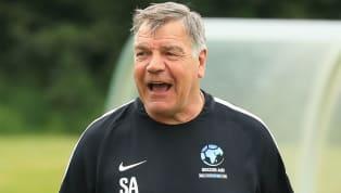 แซม อัลลาร์ไดซ์ อดีตกุนซือ ทีมชาติอังกฤษ วัย 64 ปีชี้ว่าสโมสรฟุตบอลแมนเชสเตอร์ ยูไนเต็ดแห่งศึกฟุตบอลพรีเมียร์ลีกอังกฤษเสี่ยงที่จะตกชั้นร่วงลงสู่ลีก...