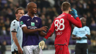 Vincent Kompany let rip at his own Anderlecht fans as they threw a flare at Club Brugge keeper Simon Mignolet.Anderlecht lost the match 2-1 and during...