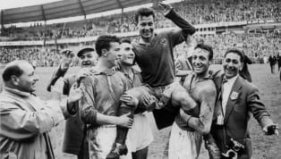 Pemecahan rekor di dunia sepak bola merupakan salah satu elemen atau 'bumbu' yang menambah keseruan olahraga populer dunia tersebut. Rekor bisa bertahan lama...