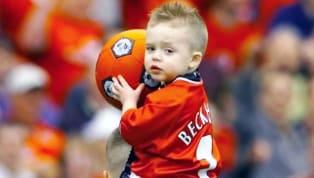 Günümüzde Süper Lig'de forma giyen isimlerden çok azının babası da zamanında ligimizde forma giyebildi. Listede yer alan baba-oğul futbolculardan birinin...