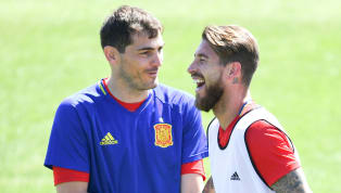 Sergio Ramos es el actual capitán de la selección española. El central del Real Madrid lleva más de 10 años defendiendo la camiseta de España, selección en la...