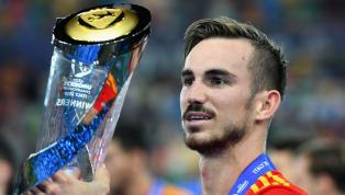 Angelt sich derFC Bayern Münchenbaldeinen U21-Europameister? Angeblich beschäftigt sich der Rekordmeister mit Fabián Ruiz vom SSC Neapel. Dies behauptet...