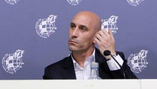 El conflicto entre los dos máximos organismos que rigen el fútbol español vuelve a resurgir después de unos meses de silencio en torno al video-arbitraje. En...