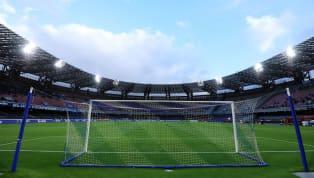 Il San Paolo si rifà il look. Lo stadio delNapoliè cambiato radicalmente, almeno da punto di vista estetico. Grazie alle Universiadi la società partenopea...