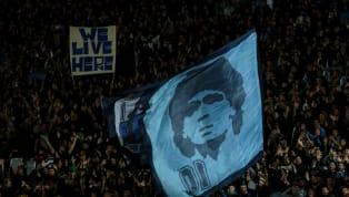 Diego Maradona es el máximo ídolo de la historia del Napoli. En Italia lo aman como a ninguno y hasta el día de hoy es constantemente mencionado por los...
