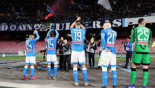 IlNapoli, come noto, vive in una sorta di terra di mezzo per quanto riguarda la classifica: il primo posto della Juventus è lontano così come gli attacchi...
