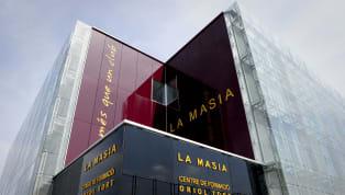 Adeta bir oyuncu fabrikası olan La Masia, Barcelona A Takımı'na uzun yıllardır önemli yetenekler yetiştiriyor. La Masia'dan çıkıp Barcelona formasıyla en...