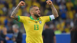 """Dani Alves s'en prend à Lionel Messi après les déclarations de ce dernier sur """"la corruption de la Copa América"""". Il dénonce le manque de tact de son ami, et..."""