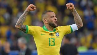 El lateral brasileño se encuentra sin equipo y, según UOL Esporte, confía en que Nélson Semedo recale en el Paris Saint Germain en el trueque por Neymar da...