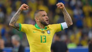 Alves ha llegado libre, por tercera vez en su carrera, al Sao Paulo. El brasileño llega de ser MVP en la Copa América con Brasil, y ha salido campeón. A sus...