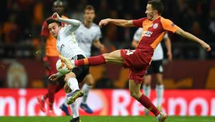 """Galatasaray'ın Norveçli sağ beki Martin Linnes'tenBeşiktaş iddialarınacevap geldi. Tecrübeli futbolcu, """"Neler olduğunu ben de bilmiyorum. Bazen ne..."""