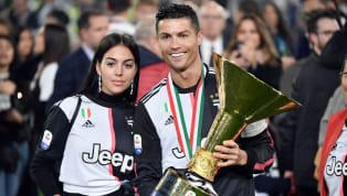Lors de la célébration duScudetto, Cristiano Ronaldo a fait glissé le trophée, l'envoyant dans la figure de son fils. Une vidéo qui a amusé les réseaux...