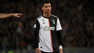 La Juventus de Turin jouait pour la première fois avec son nouveau maillot. Un maillot abandonnant les bandes noires et blanches provoquant la colère des...