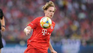 Ryan Johansson verlässt denFC Bayern. Der 18-Jährige verabschiedete sich bereits von seinen Mitspielern.Die Zeitungeldesmarqueberichtet, dass sich der...