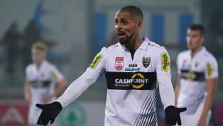 Sidney Sam hat bei einigen Bundesliga-Vereinen gespielt, doch so richtig konstant und regelmäßig überzeugen konnte er schlussendlich nicht. Nach rund zwölf...