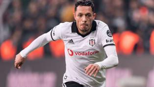 Kış transfer dönemindeBeşiktaş'tanayrılacak isimler arasında anılan Adriano Correia için Brezilya basınından yeni bir iddia geldi. Siyah-beyazlılarla...