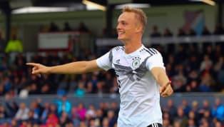 Nach Merveille Papela darf sich auch Niklas Tauer über seinen ersten Profivertrag beim1. FSV Mainz 05freuen. Der 18-Jährige unterschreibt einen neuen...