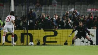 La séance de tirs au but est l'un des moments dans le football où la pression est la plus forte, du côté des tireurs comme des gardiens de but. C'est aussi...