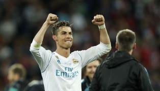 Selon les informations d'El Desmarque, Cristiano Ronaldo aurait sur sa table deux propositions de Manchester United et du Real Madrid pour la suite de sa...