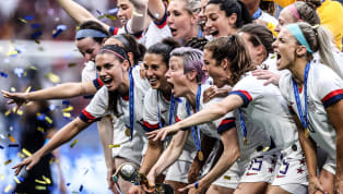 ทีมฟุตบอลหญิงทีมชาติสหรัฐอเมริกา เถลิงบัลลังก์คว้าแชมป์ฟุตบอลโลกหญิง2019 สำเร็จหลังเข่นเอาชนะ เนเธอร์แลนด์ ไปด้วยสกอร์ 2-0 จากประตูของ เมแกน ราปิโน และ โรส...