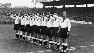 एक टीम फोटो के दौरान मजाक के तौर पर नाज़ी सैल्यूट करने वाले सात जर्मन फुटबॉलर्स को उनके क्लब ने बाहर का रास्ता दिखा दिया। SC 1920 मिल नाम की नन-लीग साइड की...