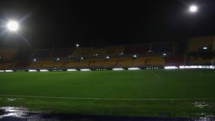 La pioggia ferma Lecce-Cagliari sul nascere. La forte pioggia che continua a cadere nella città pugliese e sullo stadio Via del Mare ha reso impraticabile il...