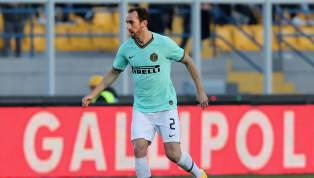 Inter Mailand 📢 | FORMAZIONE Ecco gli 1⃣1⃣ titolari scelti da Antonio Conte per #InterCagliari 👇#FORZAINTER ⚫️🔵⚫️🔵 pic.twitter.com/2V35eTkNUG — Inter...
