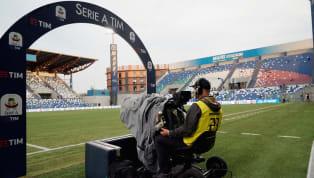 E' scontro tra il mondo del calcio e le pay tv. Il campionato potrebbe ripartire tra fine maggio e inizi di giugno e le paytv hanno rinviato il pagamento...
