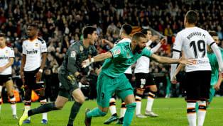 Real Madrid thủ hòa Valencia 1-1 ở trận cầu muộn vòng 16 La Liga. Real Madrid hút chết tại Mestalla khi phải đến bù giờ cuối cùng mới có bàn gỡ hòa 1-1 trước...