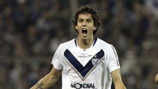 Después de varias semanas de indefinición, finalmente Ricky Álvarez regresa a Vélez. El volante de 31 años llegó con el pase en su poder tras rescindir su...