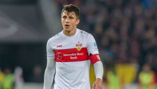 DerVfB Stuttgartbangt um Kapitän Marc-Oliver Kempf. In der laufenden Zweitliga-Partie gegen denFC St. Paulimusste der Innenverteidiger schon nach...