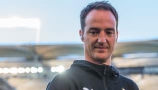 Nico Willig hat seinen im Sommer auslaufenden Vertrag beimVfB Stuttgartum ganze vier Jahre verlängert. Die U19 führte er in der vergangenen Saison zur...