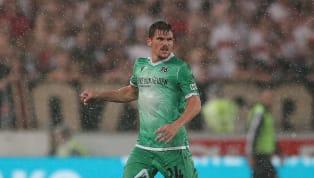 Hannover 96 hat sich am Montagabend aus dem DFB-Pokal verabschiedet. In der ersten Runde zog der Absteiger beim Karlsruher SC mit 0:2 den Kürzeren. Neben...