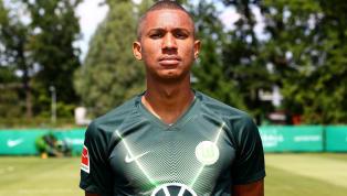 Am starken Saisonstart desVfL Wolfsburghat der 21-jährige Felix Uduokhai keinen Anteil. Noch keine Minute stand der Verteidiger in...