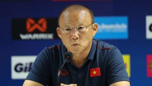 Huấn luyện viên tuyển Việt Nam ông Park Hang-Seo đã có hành động bênh vực HLV của Indonesia Scott McMenemy sau khi ông này bị các PV dồn ép với câu hỏi về...