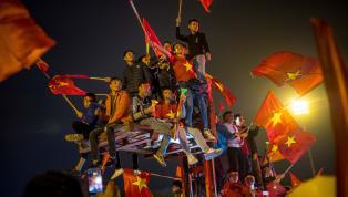รอมานาน ! แฟนบอล เวียดนาม ปิดเมืองฉลองแชมป์ ซูซูกิคัพ 2018