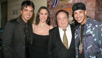 Luis Fonsi, Florinda Mesa, Roberto Gomez Bolanos, Daddy Yankee
