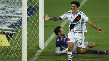 Cano, do Vasco, seria uma opção interessante e já jogou com Benítez