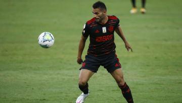 Em estágio avançado de recuperação de lesão no joelho, Thiago Maia deve voltar a defender o Flamengo ainda neste mês de junho.