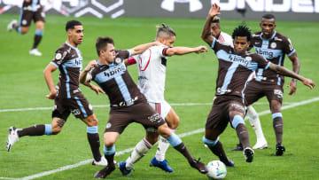 Corinthians e Flamengo entram em campo pela 14ª rodada do Campeonato Brasileiro.