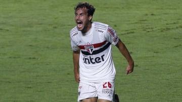 Igor Gomes, do São Paulo, marcou um golaço de voleio
