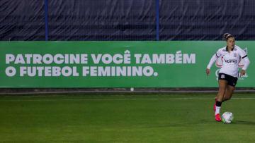 Duelo entre Corinthians e Ferroviária pela última edição do Campeonato Brasileiro.