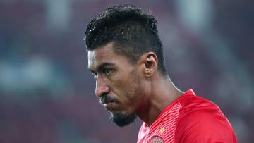 Paulinho rescindiu com o Al-Ahli, da Arábia Saudita, e está mais uma à disposição do mercado.